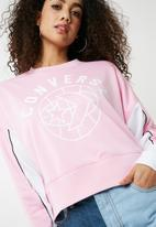 Converse - Street sport cropped crew sweat top - pink