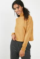 dailyfriday - Slouchy turtleneck top - yellow