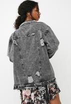 Missguided - Mottled raw hem denim jacket - black