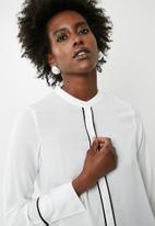 Vero Moda - Dark piping long sleeve shirt - white