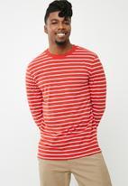 basicthread - Stripe tee - red