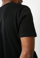 Superbalist - Vee neck tee - black