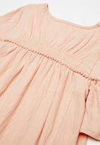 name it - Arikke dress - peach