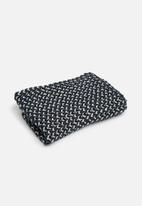 ONLY - Annie metallic knit tube scarf - navy & grey