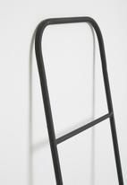 Sixth Floor - Sammy ladder - black