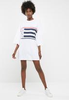 Missguided - American flag oversized t-shirt dress - white