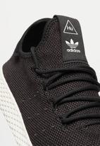 baa088682f3c4 Pharrell Williams Tennis Hu - core black core black chalk white ...