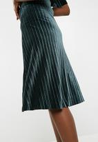 Jacqueline de Yong - Nina pleated skirt - green