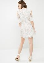 Vero Moda - Potts cold shoulder dress - multi