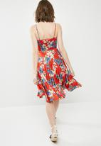 Missguided - Satin strappy floral pleated midi dress - multi