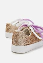 Cotton On - Kids Helena trainer - gold