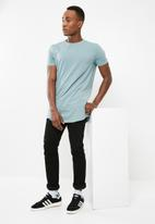 Superbalist - Curved hem tee - blue