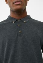 Superbalist - Pique slim fit polo - grey