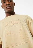 PUMA - Archive embossed print tee - beige
