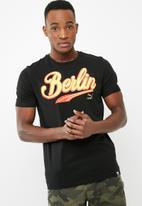 PUMA - Breakdance Berlin tee - black