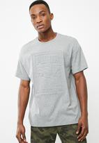 PUMA - Archive embossed print tee - grey