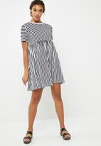 Noisy May - Freja stripe dress - navy