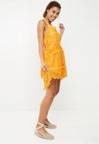 Vero Moda - Goldie dress - orange