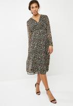 Vero Moda - Venice wrap calf dress - multi