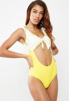 Vero Moda - Citrus swimsuit - yellow