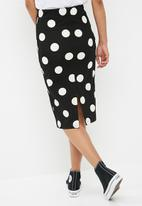 Superbalist - Printed pull on bodycon skirt - black & white