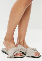 Vero Moda - Bow leather sandal - grey