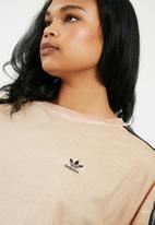 adidas Originals - Duspea boxy tee - beige