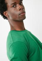 Superbalist - Curved hem longline tee - green