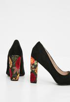 Superbalist - Lisa embroidered block heel - black