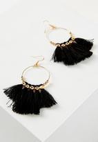 Cotton On - Cleo tassel earring - black & gold