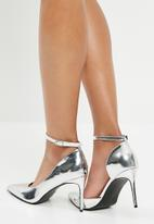 Superbalist - Pointed toe patent heel - silver