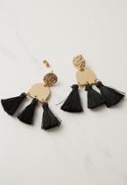 Rubi - Kingsley metal tassel statement earring - black