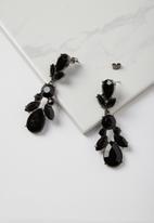 Cotton On - Drop jewel claw earring - black