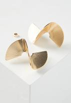 Cotton On - 3D Spiral earring - gold