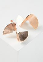 Cotton On - 3D Spiral earring - rose gold