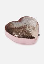 Typo - Get cushy cushion - candy heart