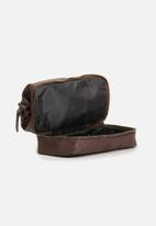 Typo - Debonair wash bag - rich tan