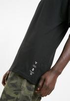Cotton On - Drop shoulder long - black