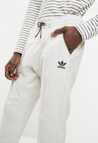 adidas Originals - 7/8 pants - grey