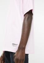 adidas Originals - NMD short sleeve tee - pink