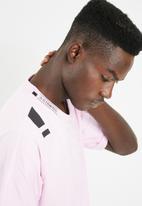 adidas Originals - NMD short sleeve tee - pink