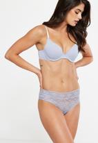 Cotton On - Jojo allover lace high waist brasiliano brief - blue