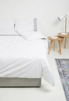 Sheraton - Boho embroidered duvet cover set - white