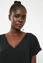 Vero Moda - Elain asymmetric earring set - silver