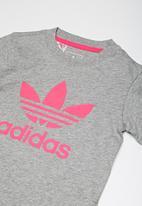adidas Originals - Trefoil tee - pink & grey