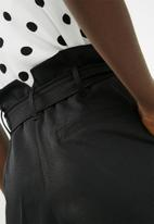 Superbalist - D ring pant - black
