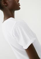 Superbalist - Scoop neck 2 pack tees - black & white