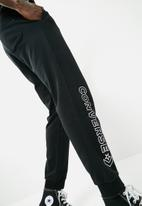 Converse - Star chevron jogger - black
