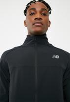 New Balance  - Tenacity jacket - black