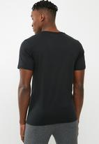 New Balance  - Heather tech tee - black